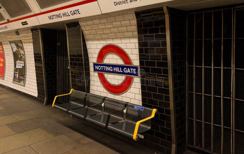 La station de porte de Notting Hill, Londres, Royaume-Uni photographie stock libre de droits