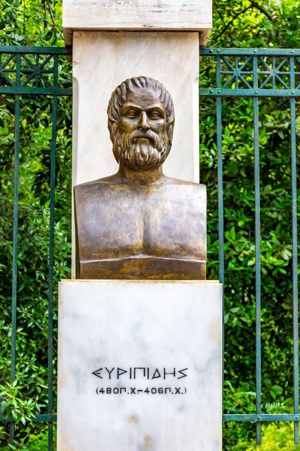 La statua bronzea del poeta tragico greco Euripides fotografia stock