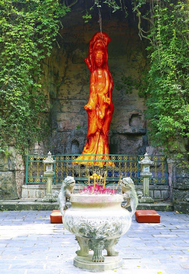 La statua della giada della femmina Buddha di avalokiteshvara fotografie stock