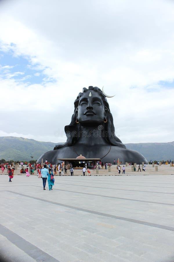 La statua di Adiyogi Shiva immagini stock