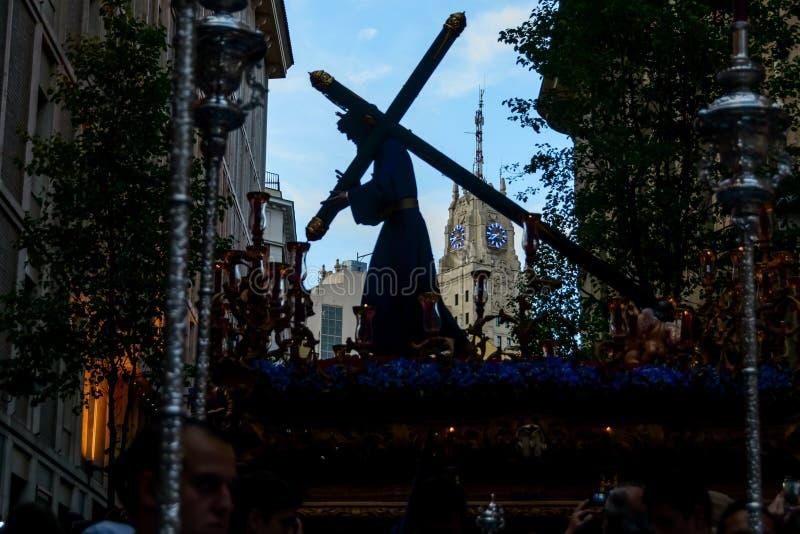 La statua di Cristo che lascia la chiesa fotografia stock