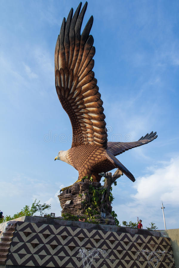 La statua di Eagle al parco Langkawi di Eagle Square fotografia stock libera da diritti