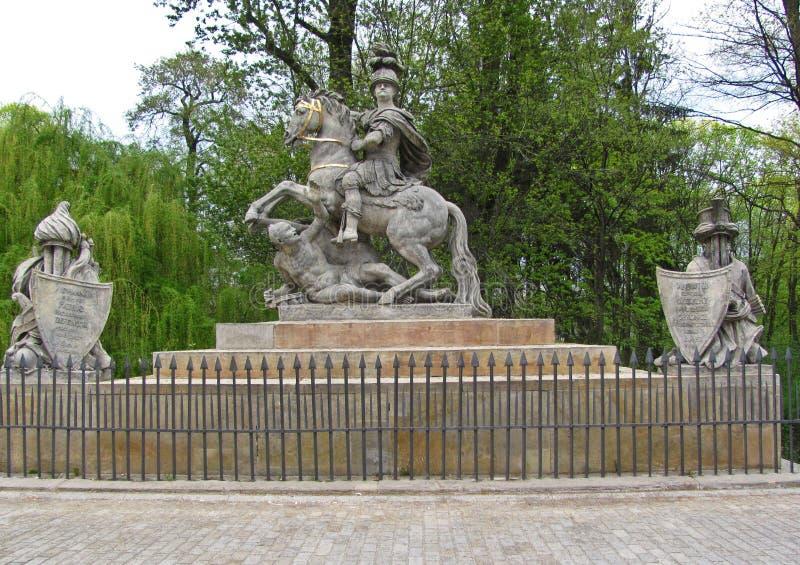 La statua di Jan Sobieski nel parco di Lazienki Monumento di Sobieski a Varsavia poland fotografia stock libera da diritti