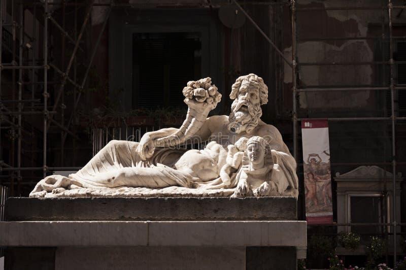 La statua di Nile God fotografie stock
