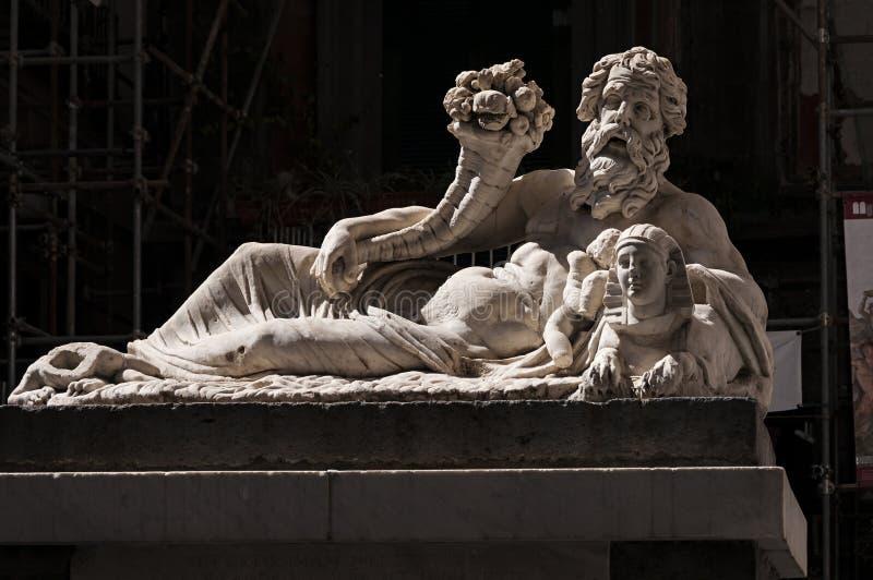 La statua di Nile God fotografia stock