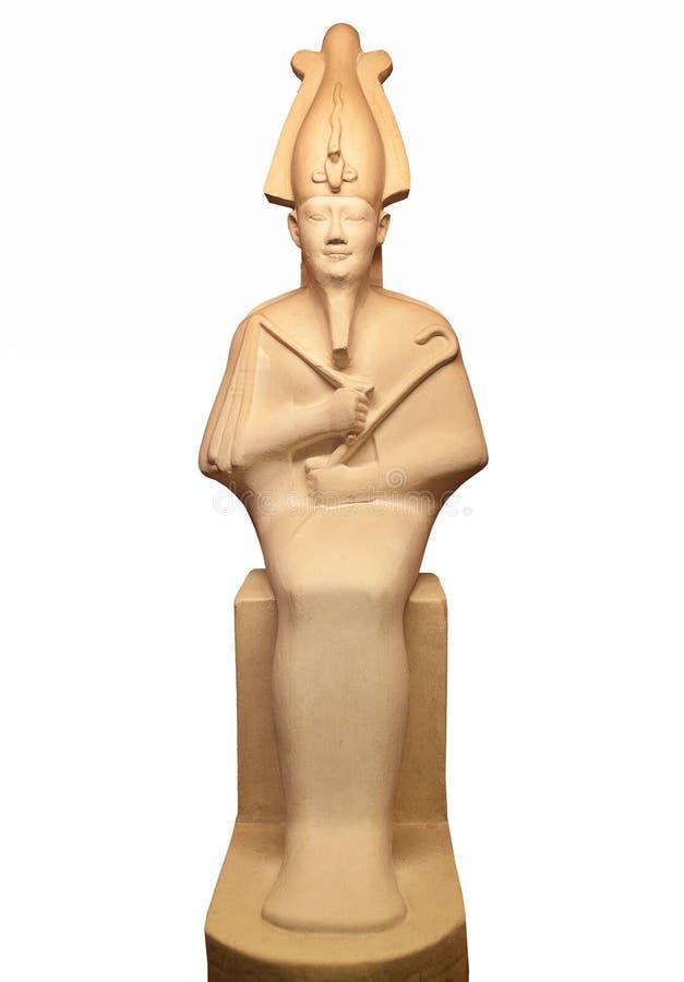 La statua di Osiris ha isolato su bianco Era il figlio di Ra, di signore dei morti e della rinascita, dio di fertilità, l'agricol fotografia stock