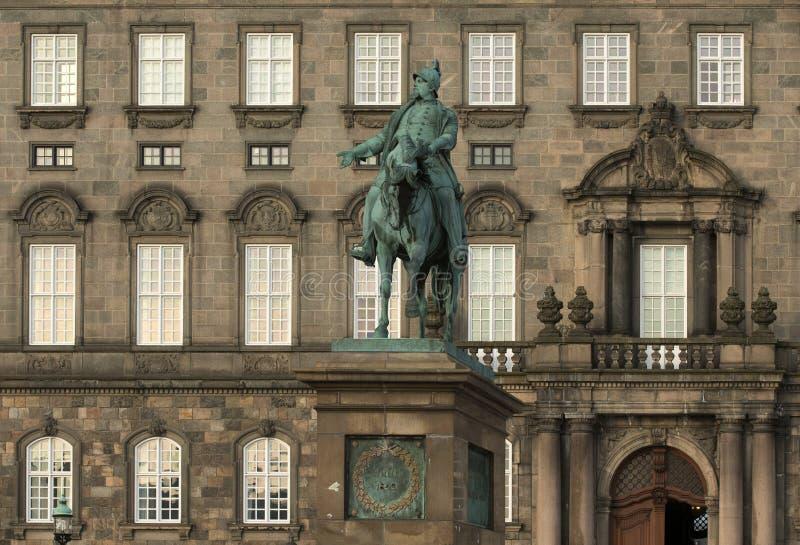 La statua equestre di re Frederik VII fotografia stock