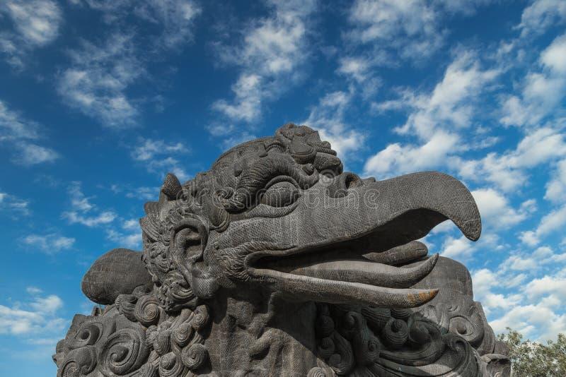 La statua non finita di Garuda Wisnu Kencana in Jimbaran, Bali l'indonesia fotografia stock