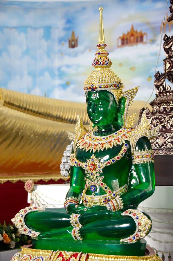 La statua verde smeraldo del buddha fotografia stock