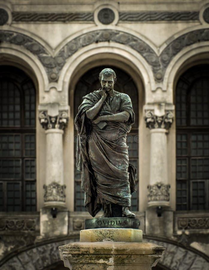 La statue d'Ovidius images stock