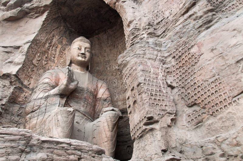 La statue de Bouddha chez le Yungang foudroie, la Chine photos libres de droits