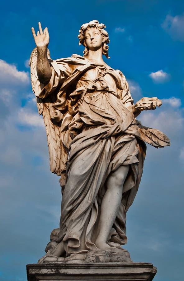 La statue de marbre de Bernini de l'ange image stock