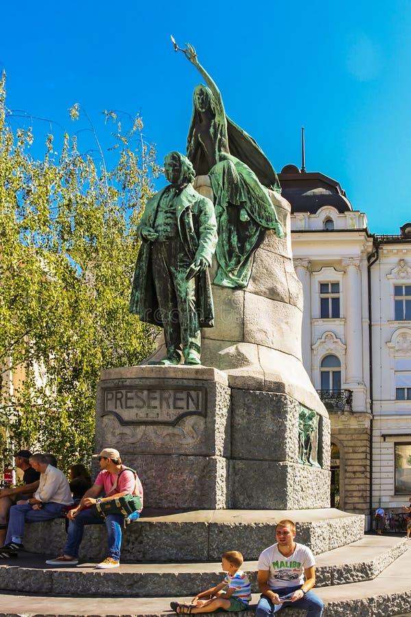 La statue de Preseren est une statue en retard de bronze de Historicist du poète national slovène France Preseren image libre de droits