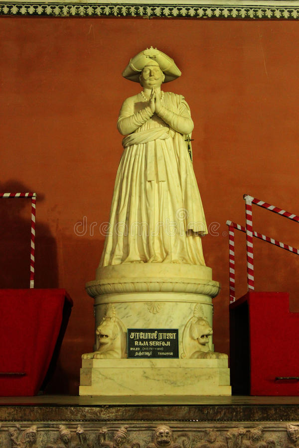 La statue de sarafoji de roi dans le musée de palais de maratha de thanjavur photos libres de droits