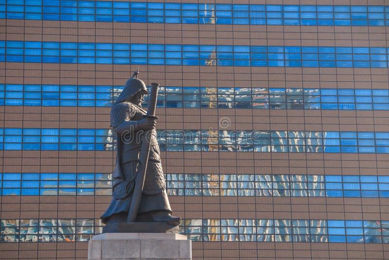Download La statue de YI Sun-Shin photo stock. Image du amiral - 56475834