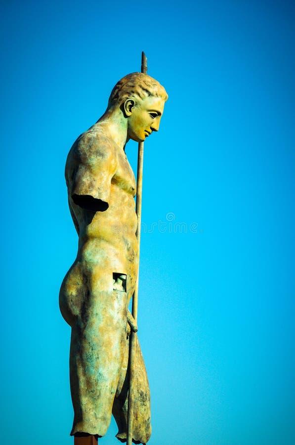 La statue du Daedalus de Mitoraj à Pompeii images libres de droits