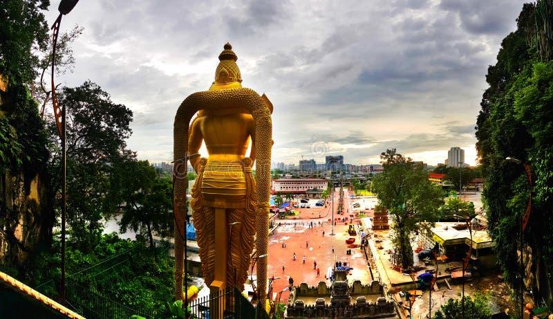 La statue murugan de seigneur et la vue de face du batu foudroie, la Malaisie, 2017 images stock