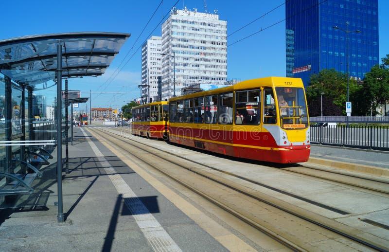 La stazione moderna del tram - fermi il centro lodz fotografia stock libera da diritti