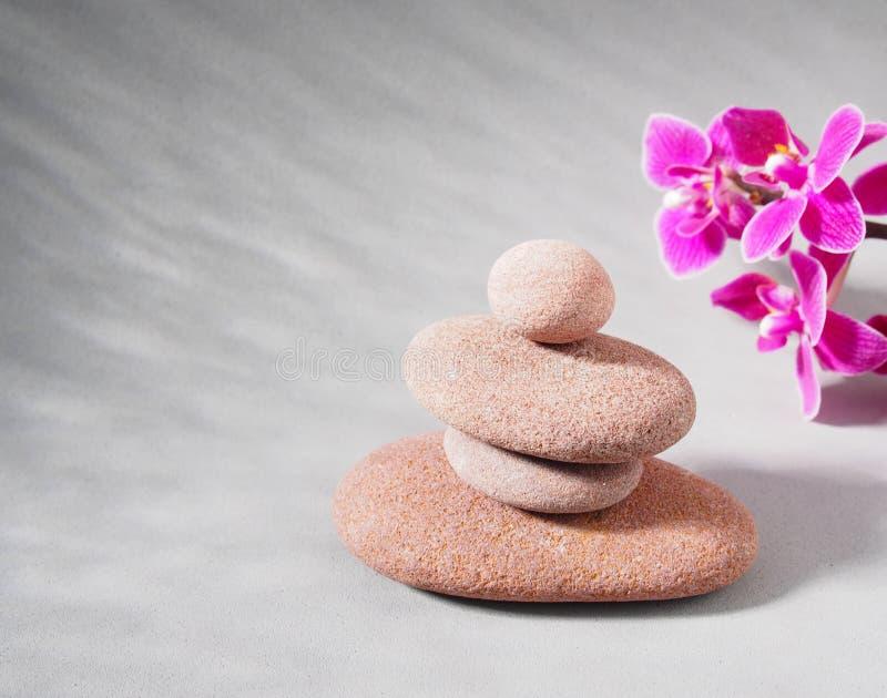 La stazione termale lapida la scena del trattamento, zen come i concetti immagini stock libere da diritti
