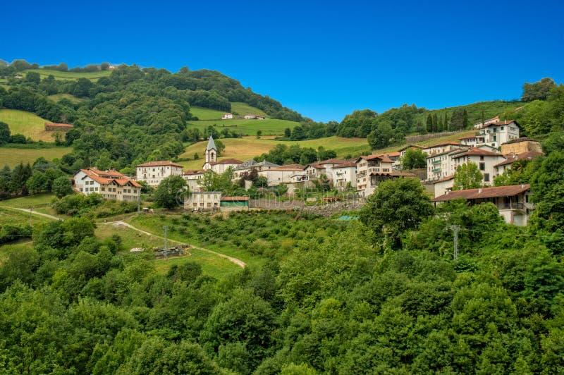 La strada di Santiago attraverso Pirenei fotografia stock libera da diritti