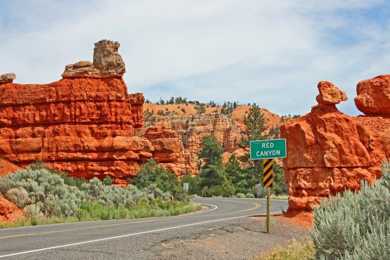 La strada in canyon rosso, Utah immagine stock