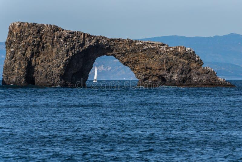 La struttura della roccia fornisce la finestra al continente fotografia stock