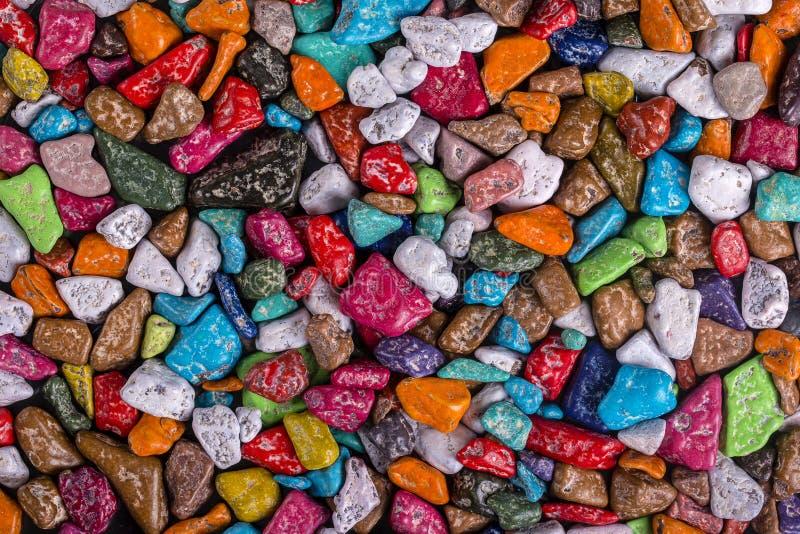 La sucrerie colorée faite sous forme de cailloux vendus dans le magasin en Egypte, se ferment  image stock
