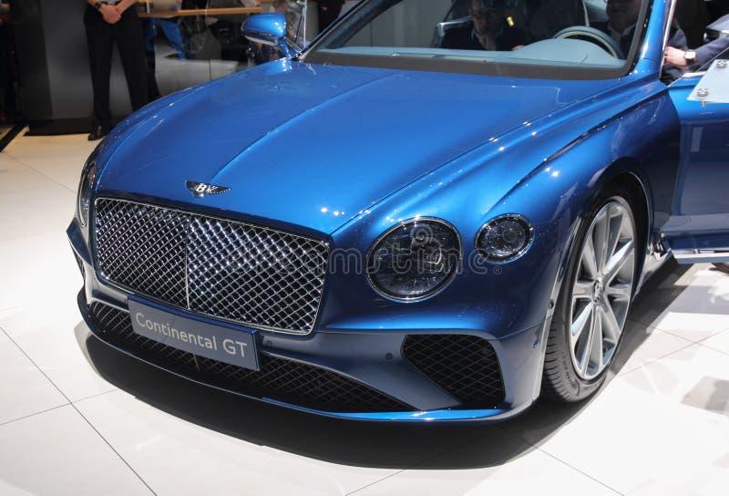 La Suisse ; Genève ; Le 8 mars 2018 ; Bentley Continental GT affrontent image stock