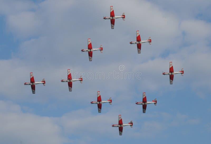 La Suisse : Salon de l'aéronautique de Patrouille-Suisse au-dessus de riche-ville de ¼ de ZÃ photos libres de droits
