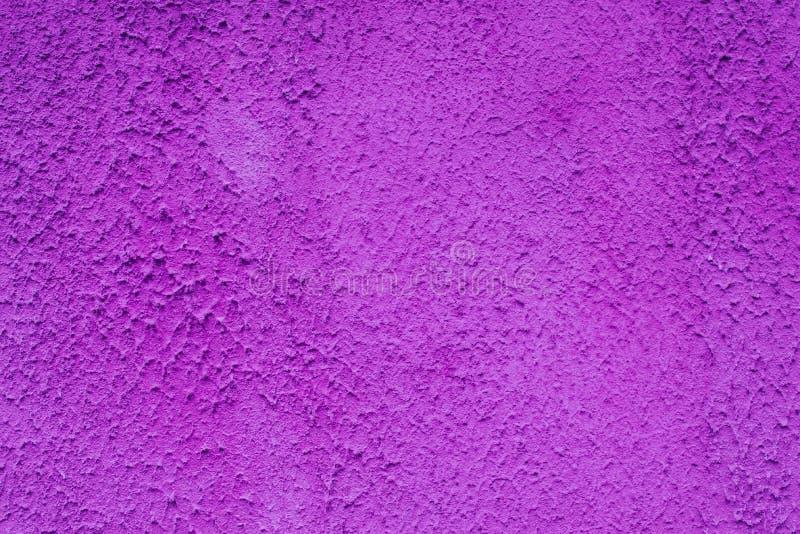 La surface brillamment peinte est couverte de plâtre bleu poussiéreux fumeux photo stock
