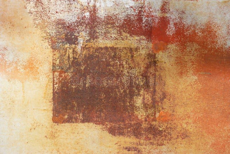 La surface de la feuille rouill?e de fer avec le cadre Texture approximative avec des taches de diff?rentes couleurs photographie stock libre de droits