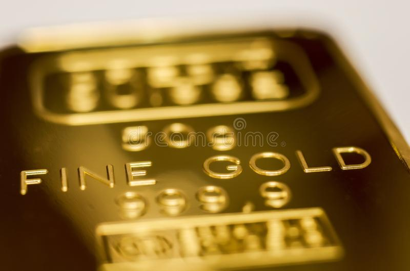 La surface du lingot d'or La texture de la surface de la barre d'or monnayée photographie stock libre de droits