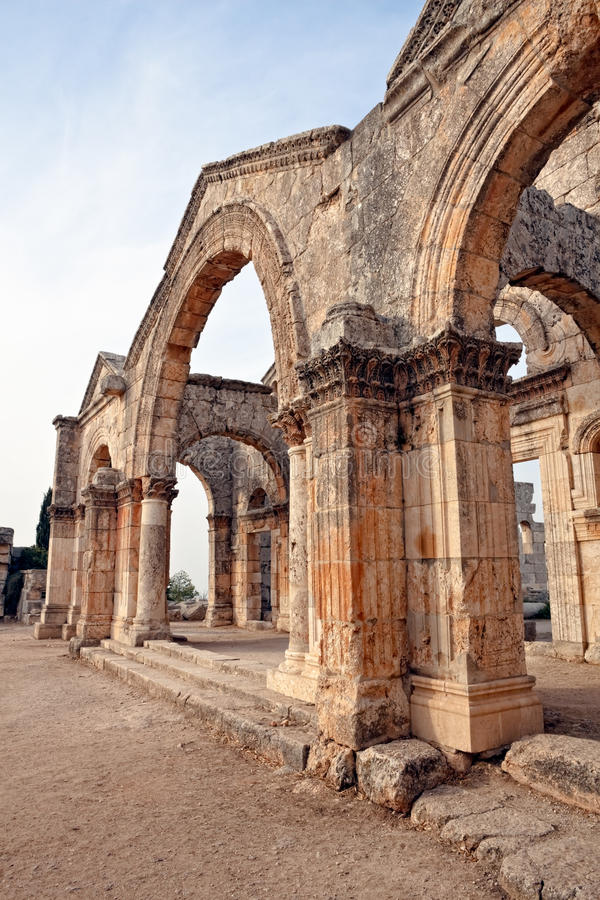 La Syrie - église de rue Simeon - Qal'a Sim'an photos stock