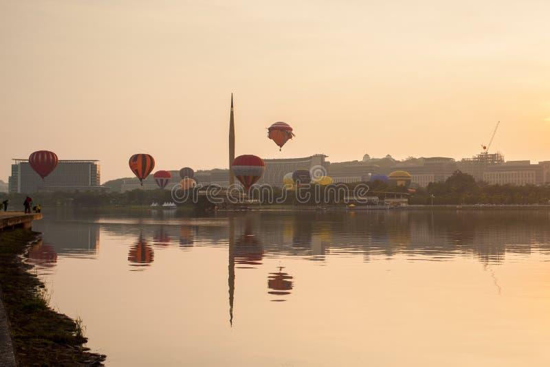 La 5ta fiesta internacional del globo del aire caliente de Putrajaya fotografía de archivo
