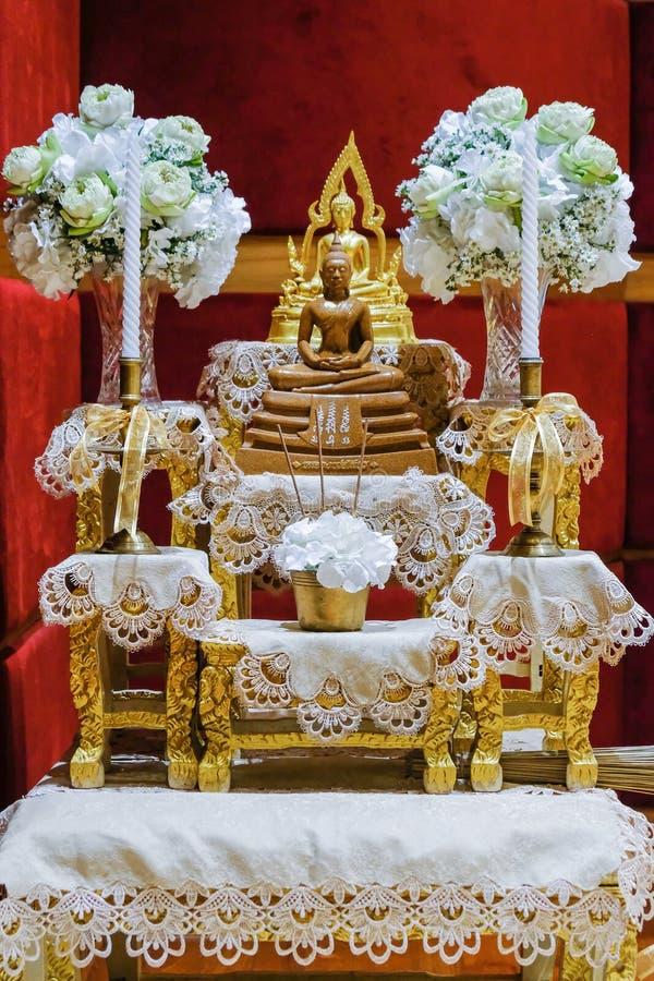 la table d'autel est foi en Bouddha image libre de droits