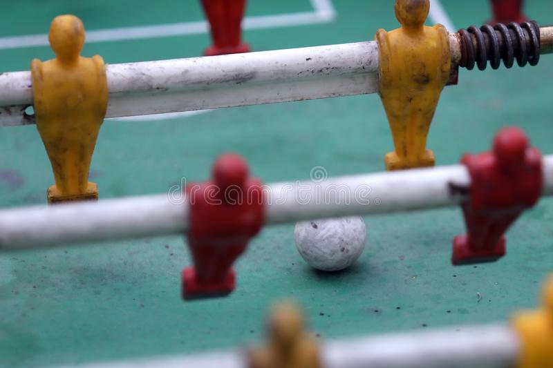 La table de Foosball a appelé le metegol photo libre de droits