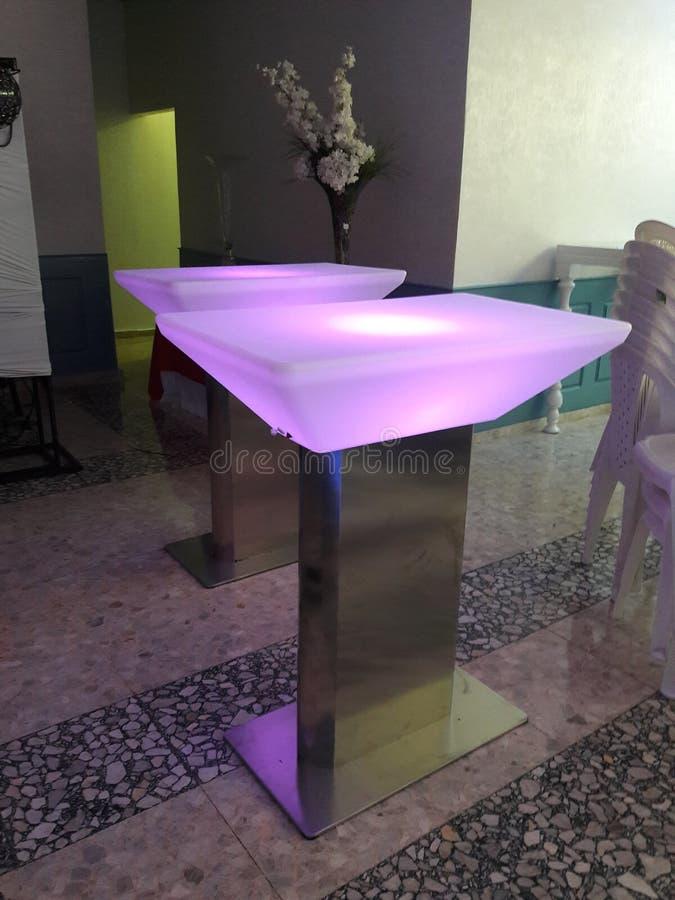 La table légère a mené des meubles photo stock