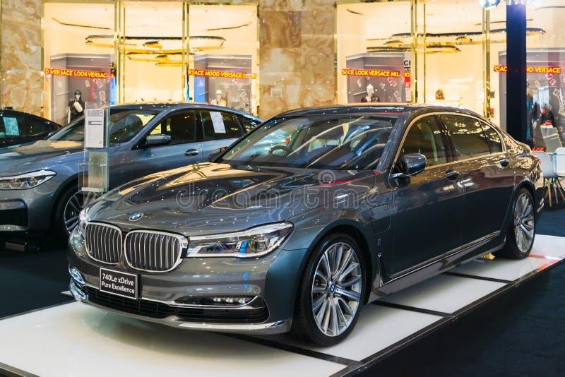 La Tailandia, Bangkok -28 febbraio 2018: BMW 740Le Excellenc puro xDrive ha presentato al centro commerciale di Iconsiam, Bangkok fotografia stock libera da diritti