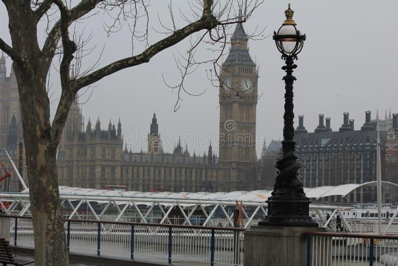 La Tamise et Big Ben à Londres, Royaume-Uni images stock