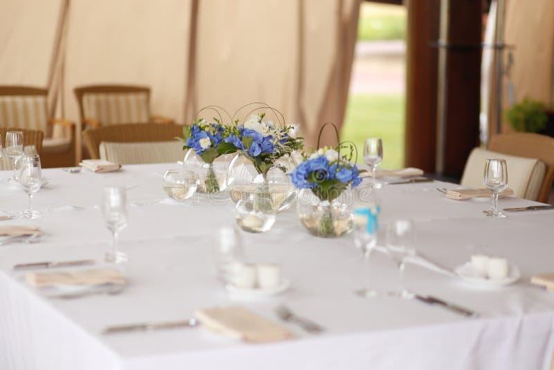 La tavola elegante di nozze fotografie stock libere da diritti