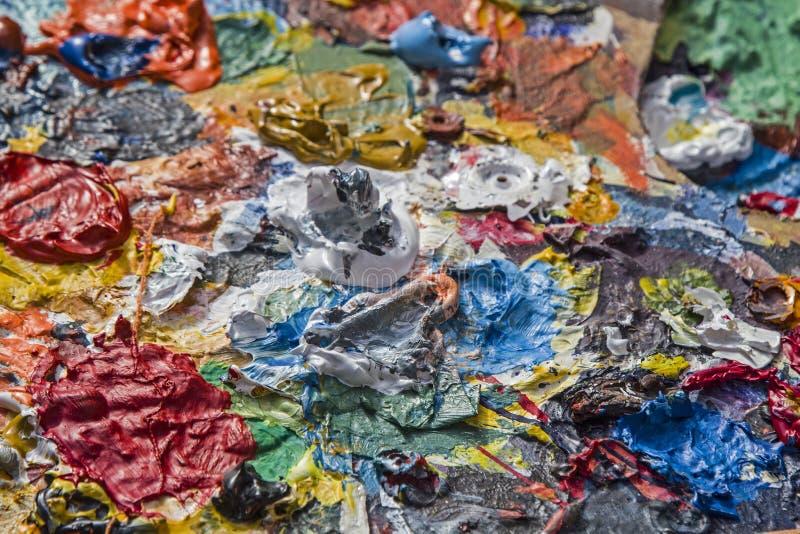 La tavolozza del pittore con i colori a olio immagine - Immagine del mouse a colori ...