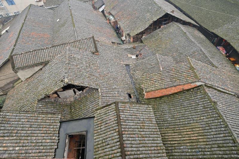 La teja cubrió casas imagen de archivo libre de regalías