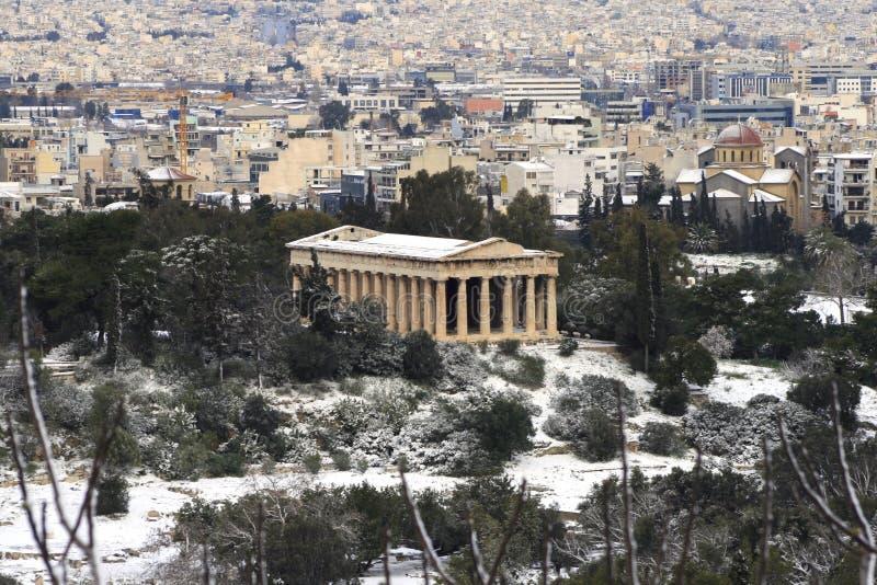La tempête de chute de neige importante heurte Athènes, Grèce photographie stock