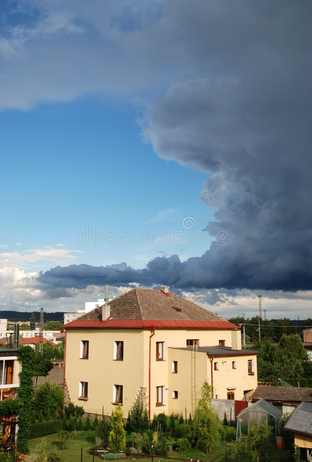 La tempête vient images stock
