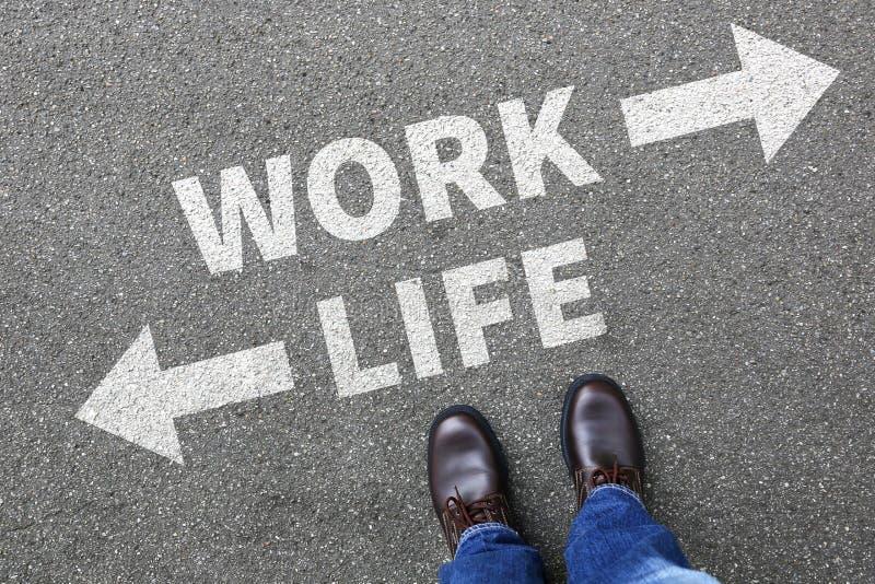 La tensión de la vida de la balanza de la vida del trabajo subrayada relaja el negocio c de la salud fotografía de archivo