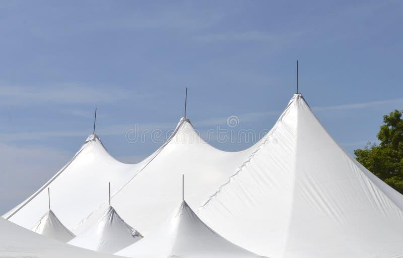 La tente de chapiteau protège des interprètes photo stock