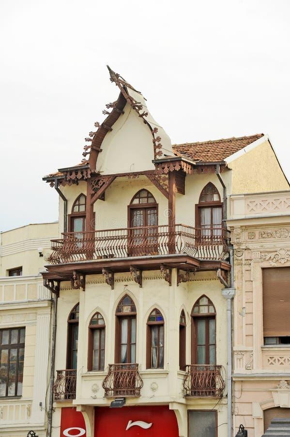 La terrasse d'une vieille maison dans Bitola images stock