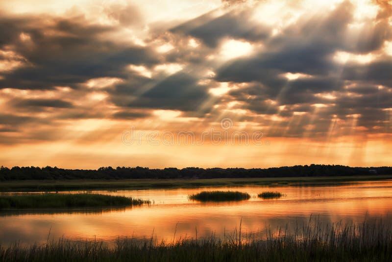 La terre de baiser de ciel images libres de droits