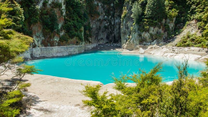 La terre thermique dans Rotorua Quelque part en Nouvelle Zélande photo stock