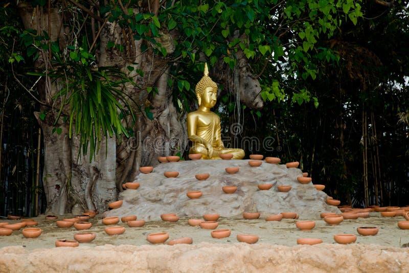 La Thaïlande Budhist Budha, prêt pour la bougie a allumé la cérémonie photo stock